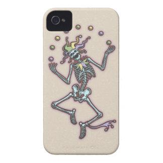 Esqueleto II del bufón que hace juegos malabares Funda Para iPhone 4 De Case-Mate