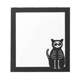 Esqueleto lindo del gato del dibujo animado de blocs de papel