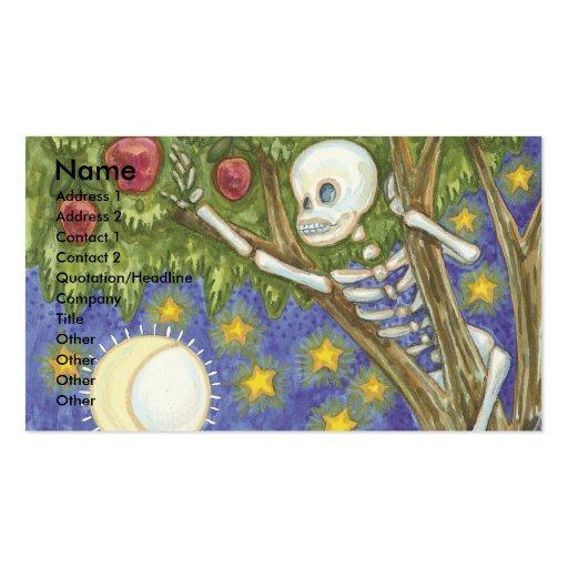 esqueleto que oculta en arte del árbol tarjeta de visita