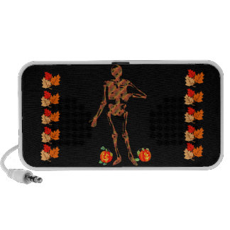 Esqueleto y calabazas de Halloween Altavoz De Viaje