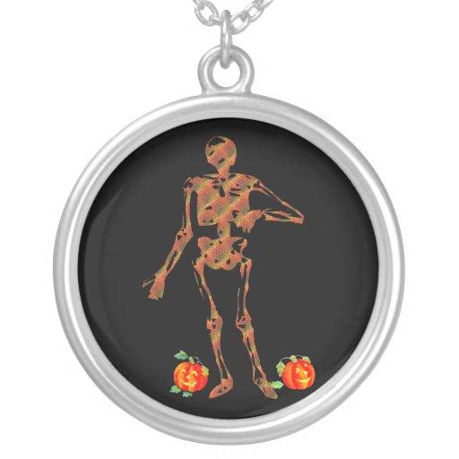 Esqueleto y calabazas de Halloween Collar