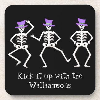Esqueletos banales del baile del feliz Halloween n Posavasos