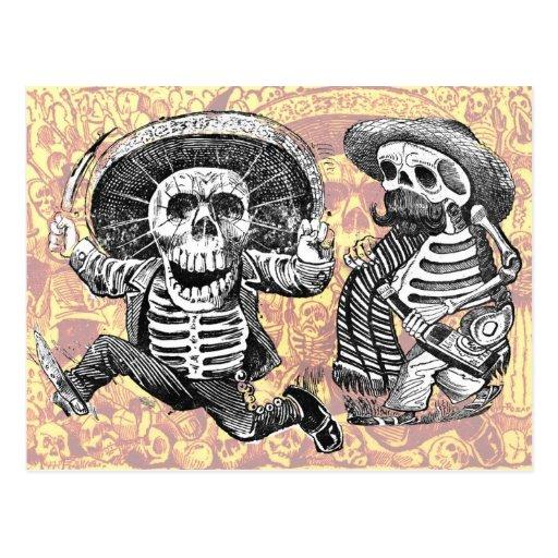Esqueletos con el machete y los licores tarjetas postales