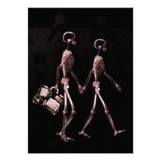 Esqueletos de la radiografía de los pares que viaj invitación personalizada