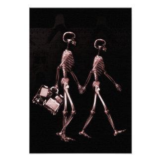 Esqueletos de la radiografía de los pares que viaj invitaciones personales