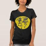 Esqueletos del baile con la Luna Llena para Hallow Camisetas