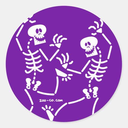 Esqueletos del baile etiquetas redondas