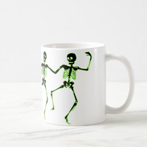 Esqueletos del baile, resplandor verde taza