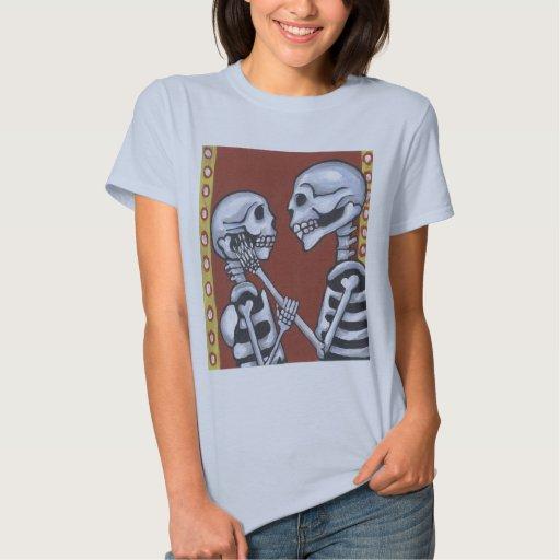 Esqueletos del diámetro de los muertos en camisa