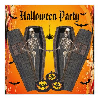 Esqueletos felices en el fiesta de Halloween de