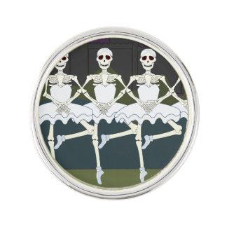 Esqueletos femeninos de baile insignia
