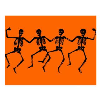 Esqueletos negros de baile tarjetas postales