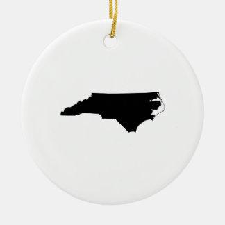 Esquema del estado de Carolina del Norte Adorno Redondo De Cerámica