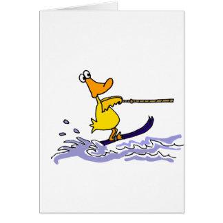 Esquí acuático amarillo divertido del pato tarjeta de felicitación