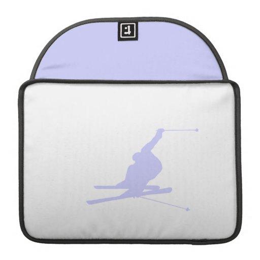 Esquí azul de la nieve de la lavanda funda para macbooks