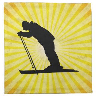 Esquí de la nieve del campo a través; amarillo servilleta