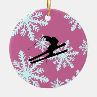 esquí de los copos de nieve adorno navideño redondo de cerámica