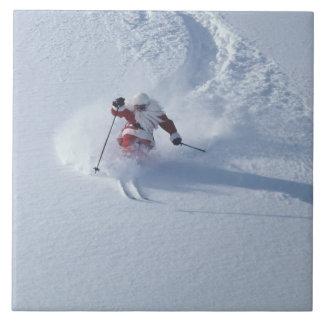 Esquí de Santa en la estación de esquí del Snowbir Azulejo Cuadrado Grande