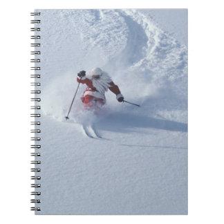 Esquí de Santa en la estación de esquí del Snowbir Libreta Espiral