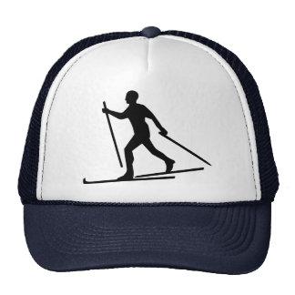 Esquí del campo a través gorros bordados