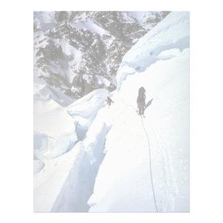 Esquí durante invierno del paso de Kahiltna Membrete Personalizado