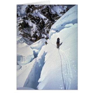 Esquí durante invierno del paso de Kahiltna Tarjeta
