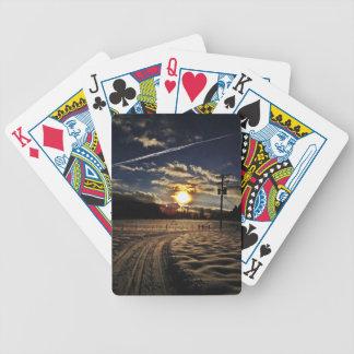 esquí en la puesta del sol baraja de cartas