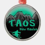 Esquiador artístico de Taos New México Adorno De Navidad