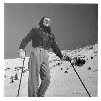 Esquiador de la mujer azulejo cuadrado grande