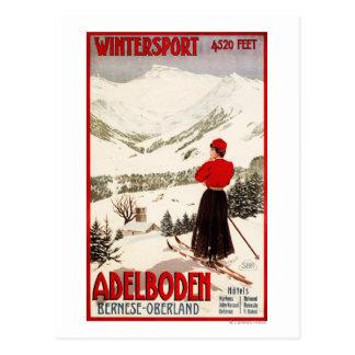 Esquiador de la mujer que pasa por alto el poster tarjetas postales