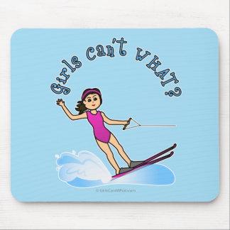 Esquiador de sexo femenino ligero del agua tapete de raton