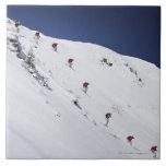 Esquiador de sexo masculino azulejo cuadrado grande