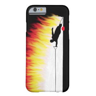 Esquiador del agua del eslalom con las llamas funda para iPhone 6 barely there