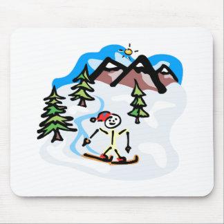 Esquiador del campo a través mouse pad