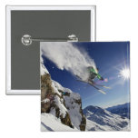 Esquiador en aire pin cuadrado