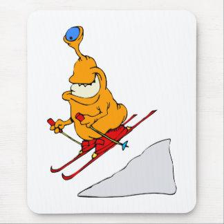 Esquiador marciano alfombrillas de ratón