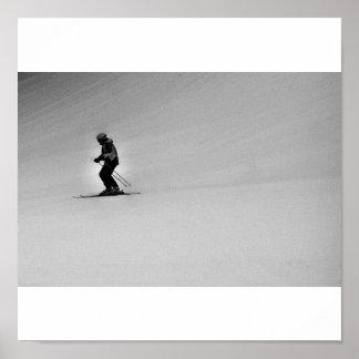 Esquiador solo - poster