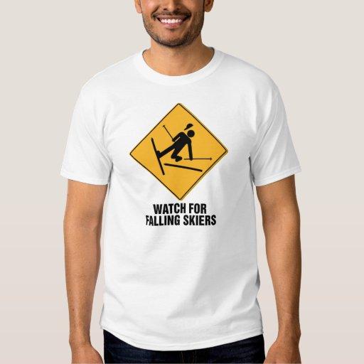 Esquiadores que caen playera