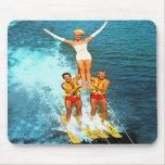 Esquiadores retros del agua de los Dells de las mu Tapete De Ratón