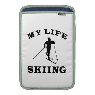 Esquiando mi vida funda  MacBook