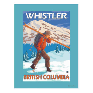 Esquís de la nieve del esquiador que llevan - tarjetas postales