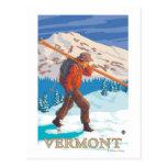 Esquís que llevan de VermontSkier Tarjetas Postales