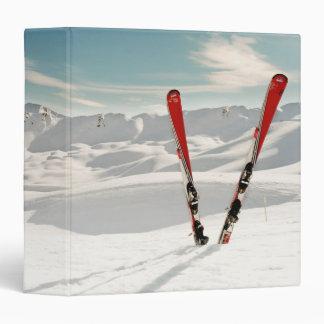 """Esquís rojos carpeta 1 1/2"""""""