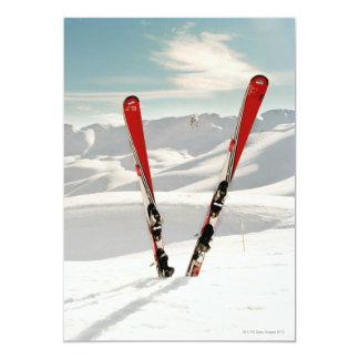 """Esquís rojos invitación 5"""" x 7"""""""