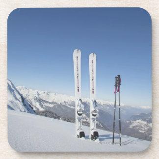 Esquís y esquí postes posavasos