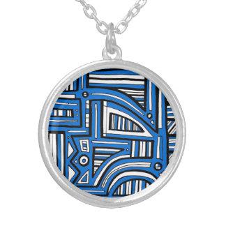 Essential Bliss Exuberant Attractive Round Pendant Necklace