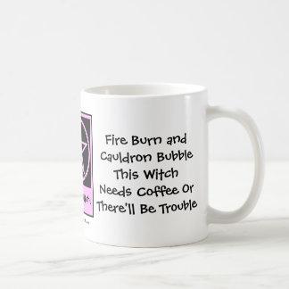 ¡Esta bruja necesita el café! Los Café-adictos ahu Taza De Café