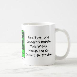 ¡Esta bruja necesita té! Los Té-adictos ahuecan/ta Taza