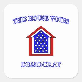 Esta casa vota a Demócrata Calcomania Cuadradas Personalizadas
