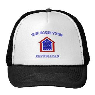 Esta casa vota al republicano gorro de camionero